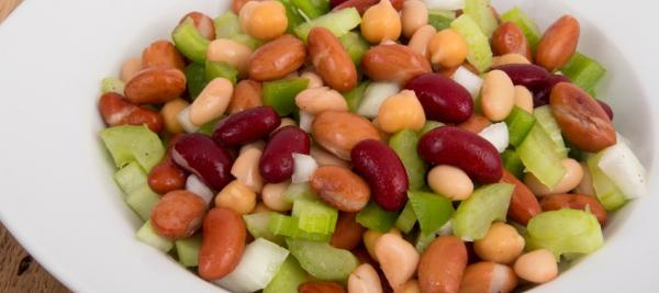 Eating beans and lentils each day increases fullness, may help manage weight
