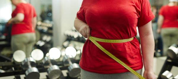 Higher waist circumference tied to heart attack risk among women
