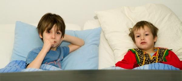 Bedroom TVs tied to weight gain among kids