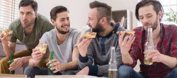 Social eating prompts men to overeat