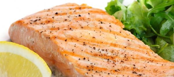 Eating fish may benefit older adults at risk for dementia