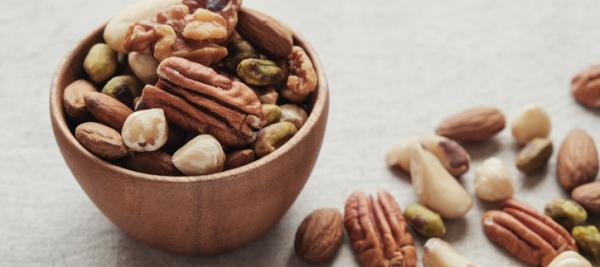 A handful of nuts a day can keep diabetes away