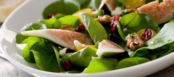 Fig and Roasted Walnut Salad with Honey Balsamic Vinaigrette