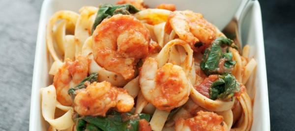 Pasta with Sautéed Prawns, Spinach and Tomatoes