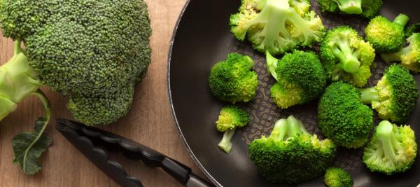 Broccoli with Sesame Dressing