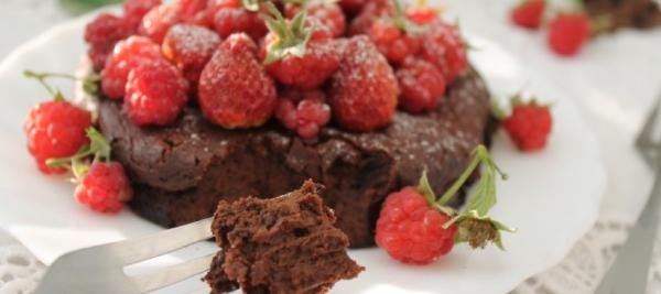 Chocolate Cake with Crystallized Ginger