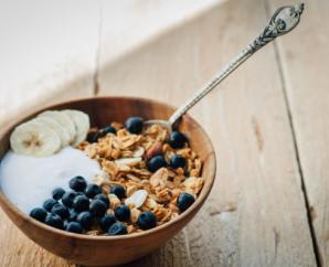 Whole Grain Muesli with Blueberries, Walnuts and Flax